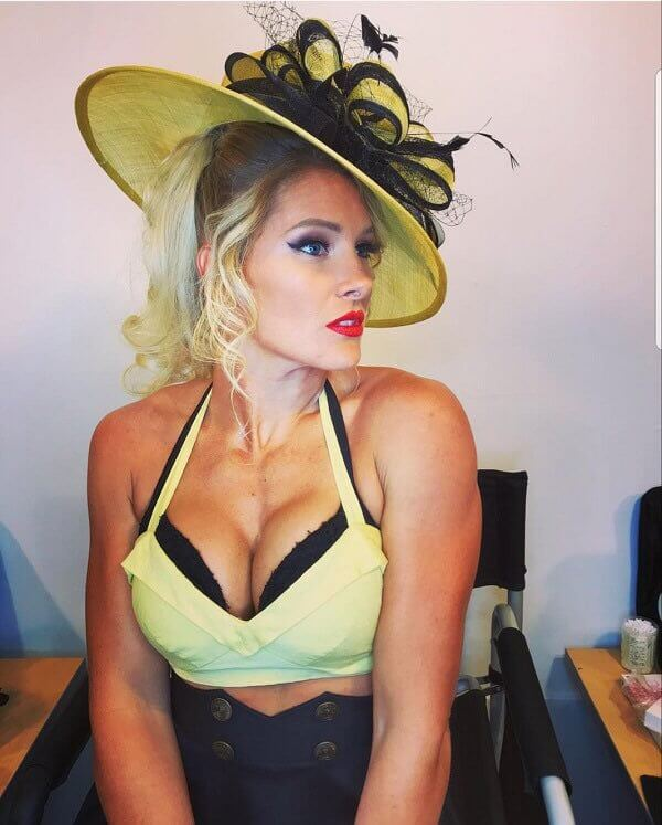 Lacey Evans sexy cleavage pics (2)