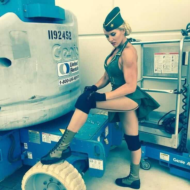 Lacey Evans sexy thigh pics