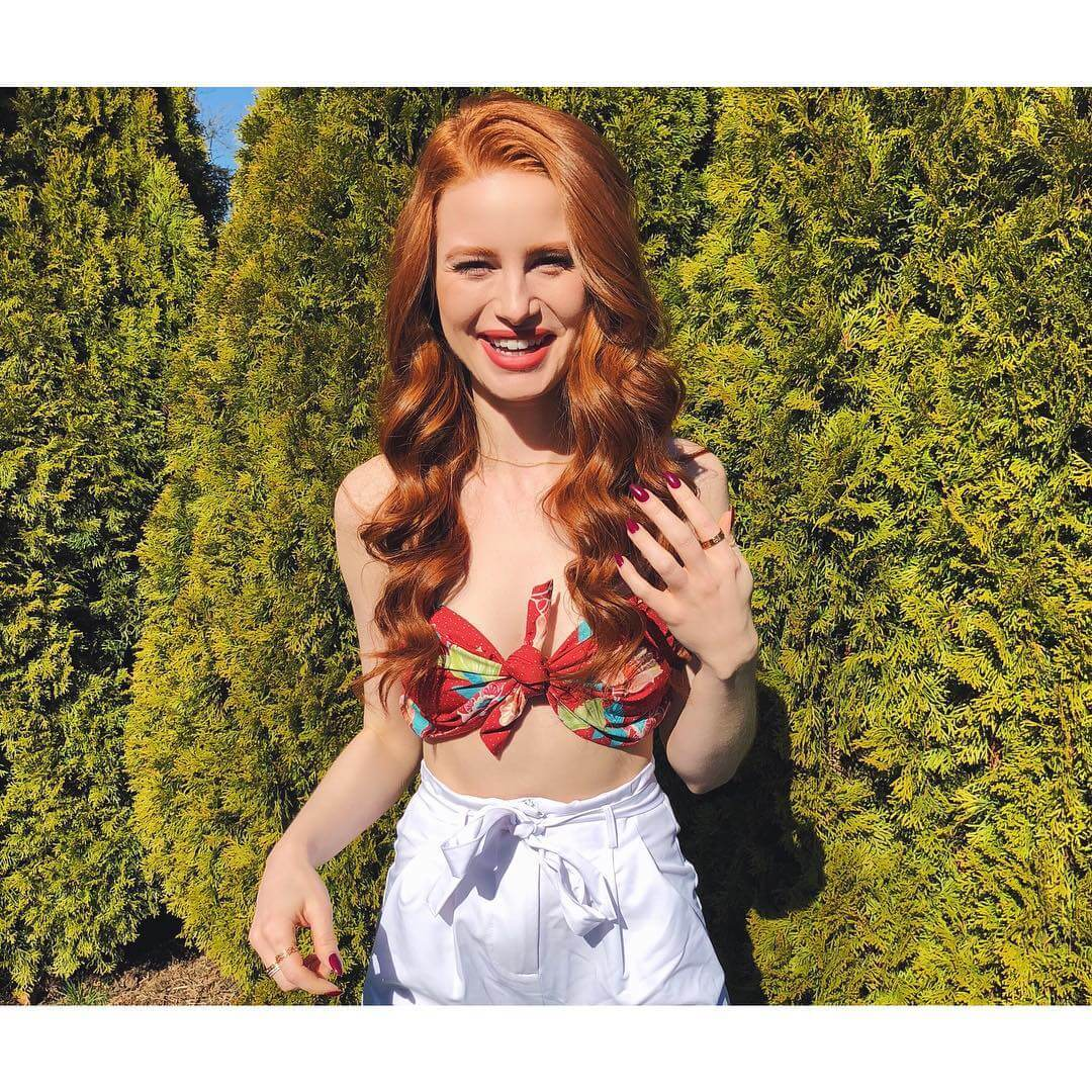 Madelaine Petsch cleavage pictures (3)