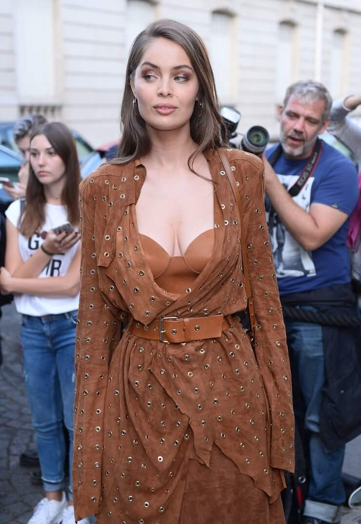 Marie-Ange Casta hot cleavage pic