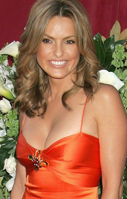 Mariska Hargitay hot boobs