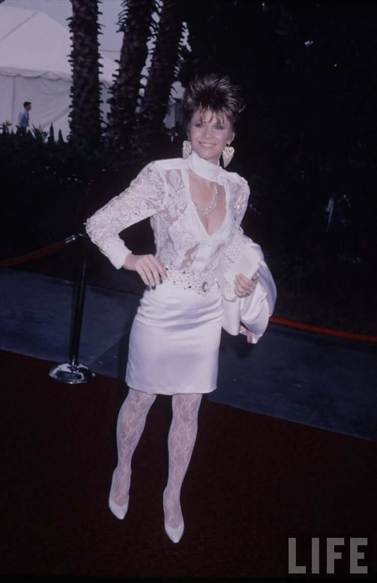 Markie Post sexy cleavage (1)