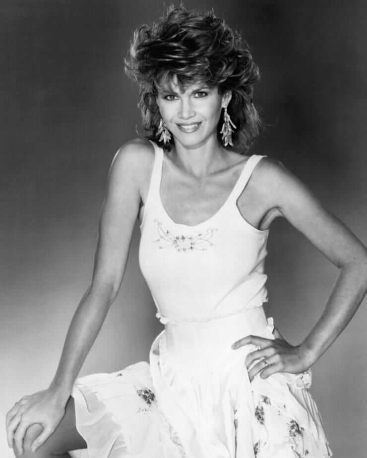 Markie Post sexy cleavage (2)