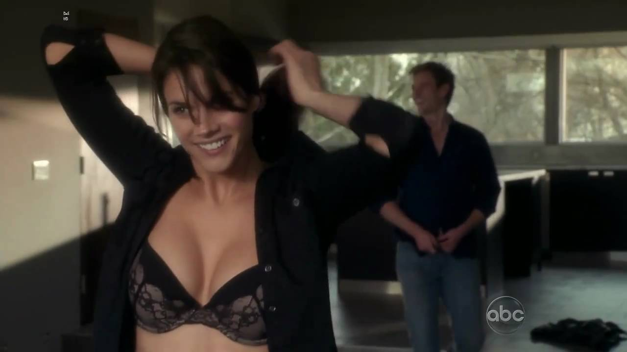 49 Hottest Missy Peregrym Bikini Pictures Are Just Way Too Raunchy