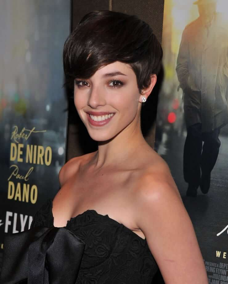 Olivia Thirlby hot cleavage pic