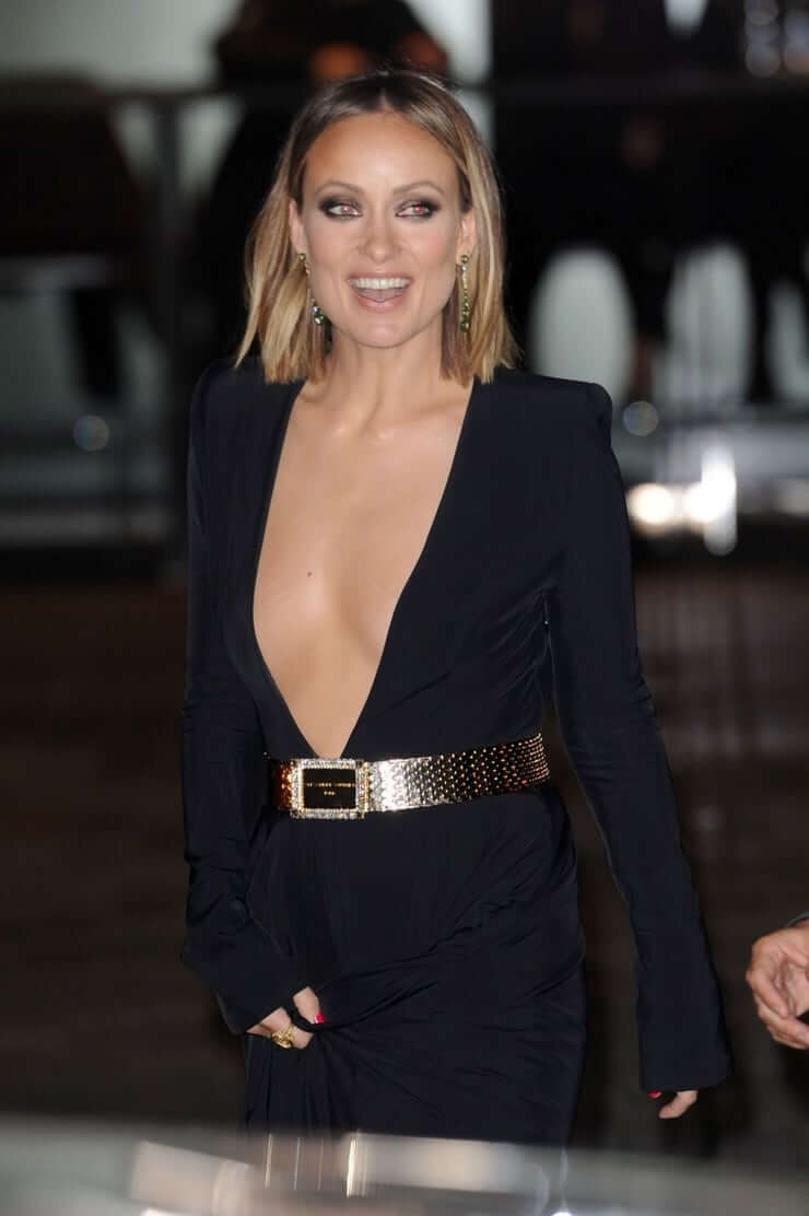 Olivia Wilde sexy cleavage