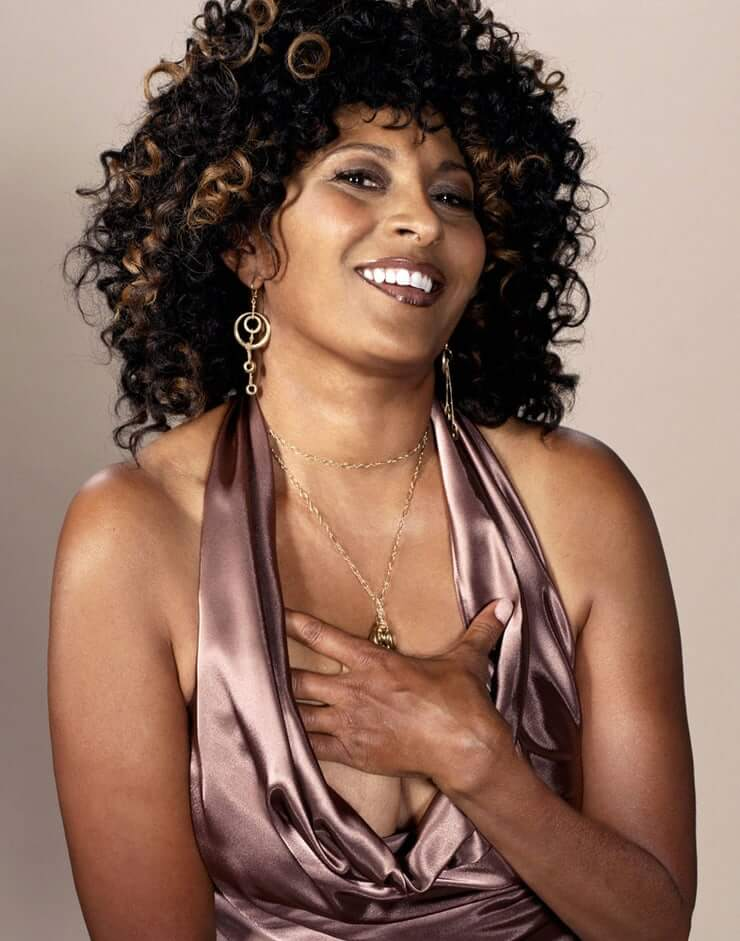 49 Hot Pictures Of Pam Grier Are Here To Take Your Breath Away Best Of Comic Books