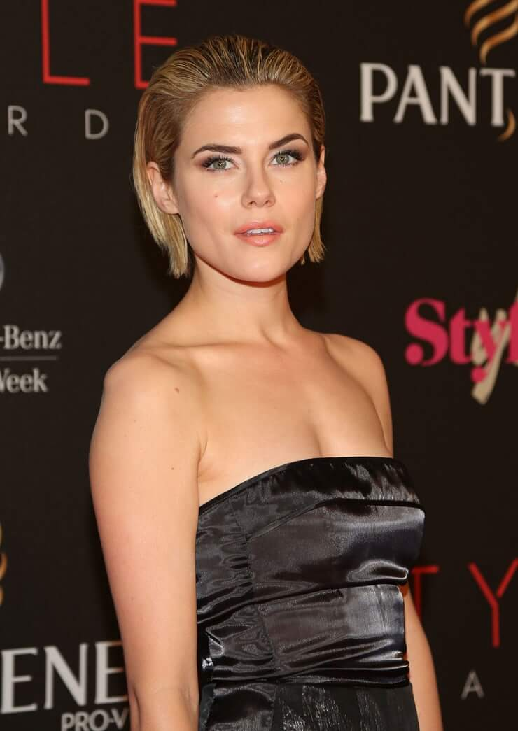 Rachael Taylor sexy busty pics