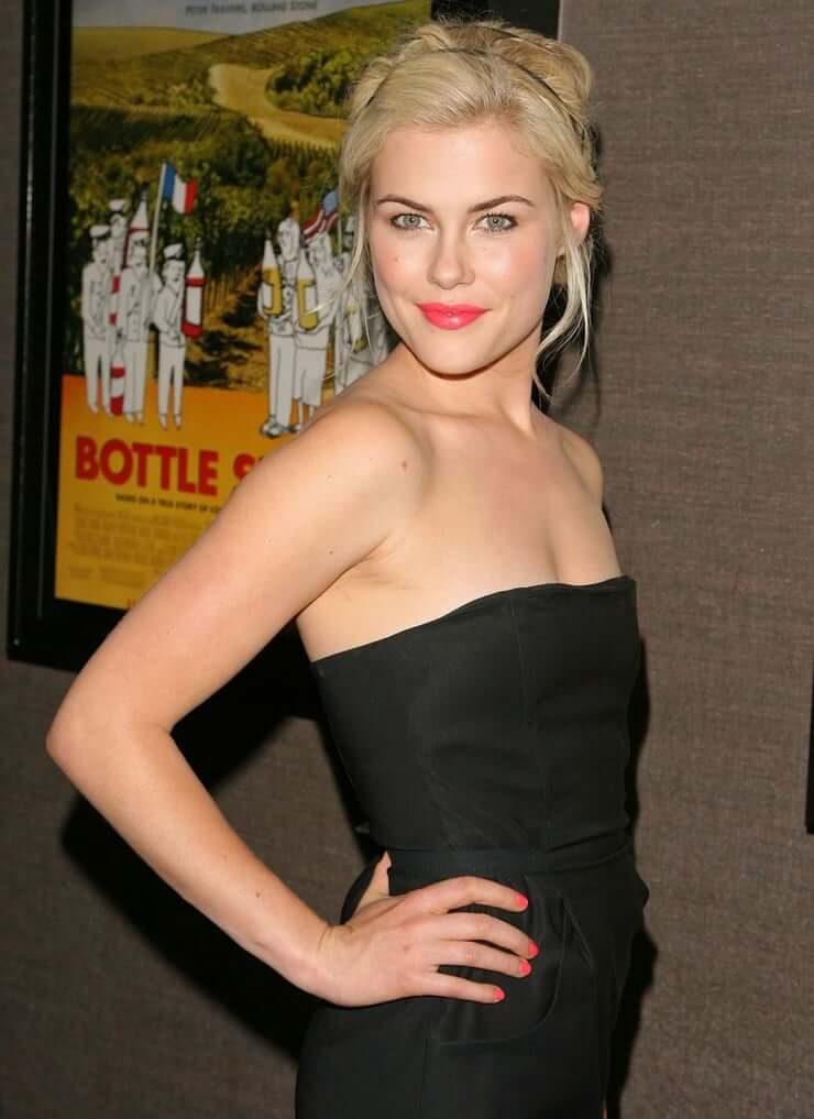 Rachael Taylor sexy busty pictures