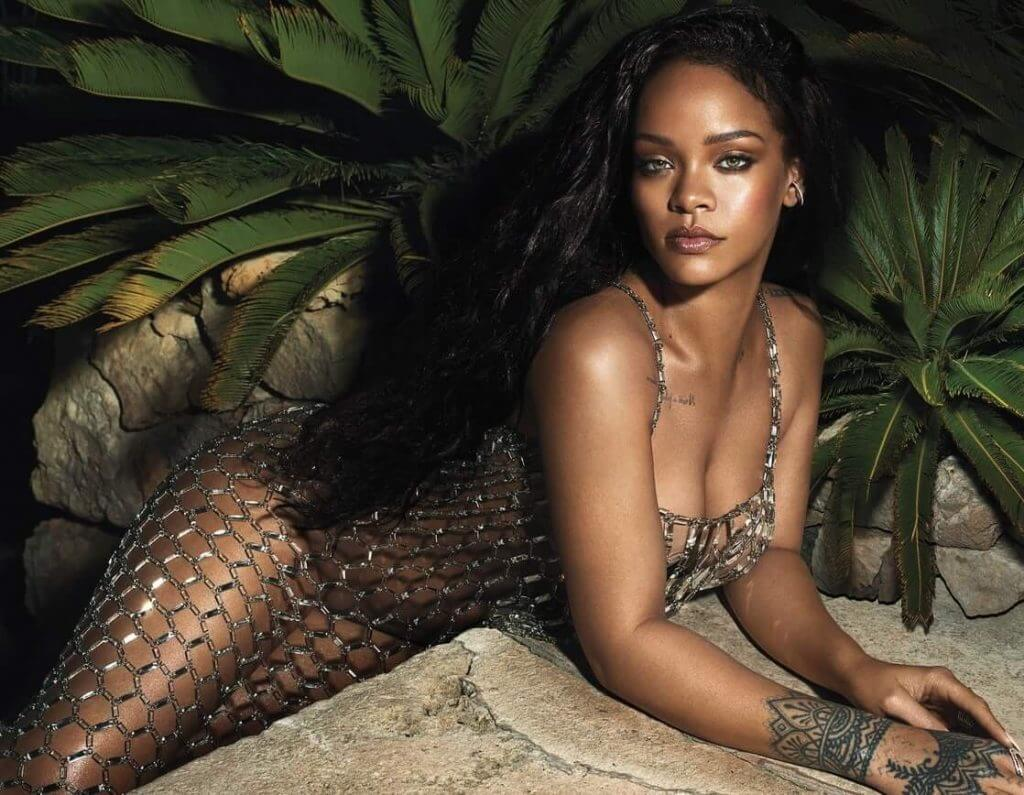 Rihanna sexy photos (1)