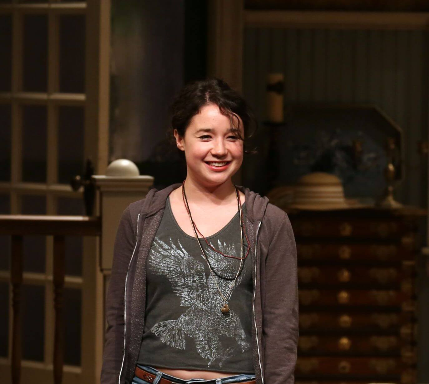 Sarah Steele hot pictures
