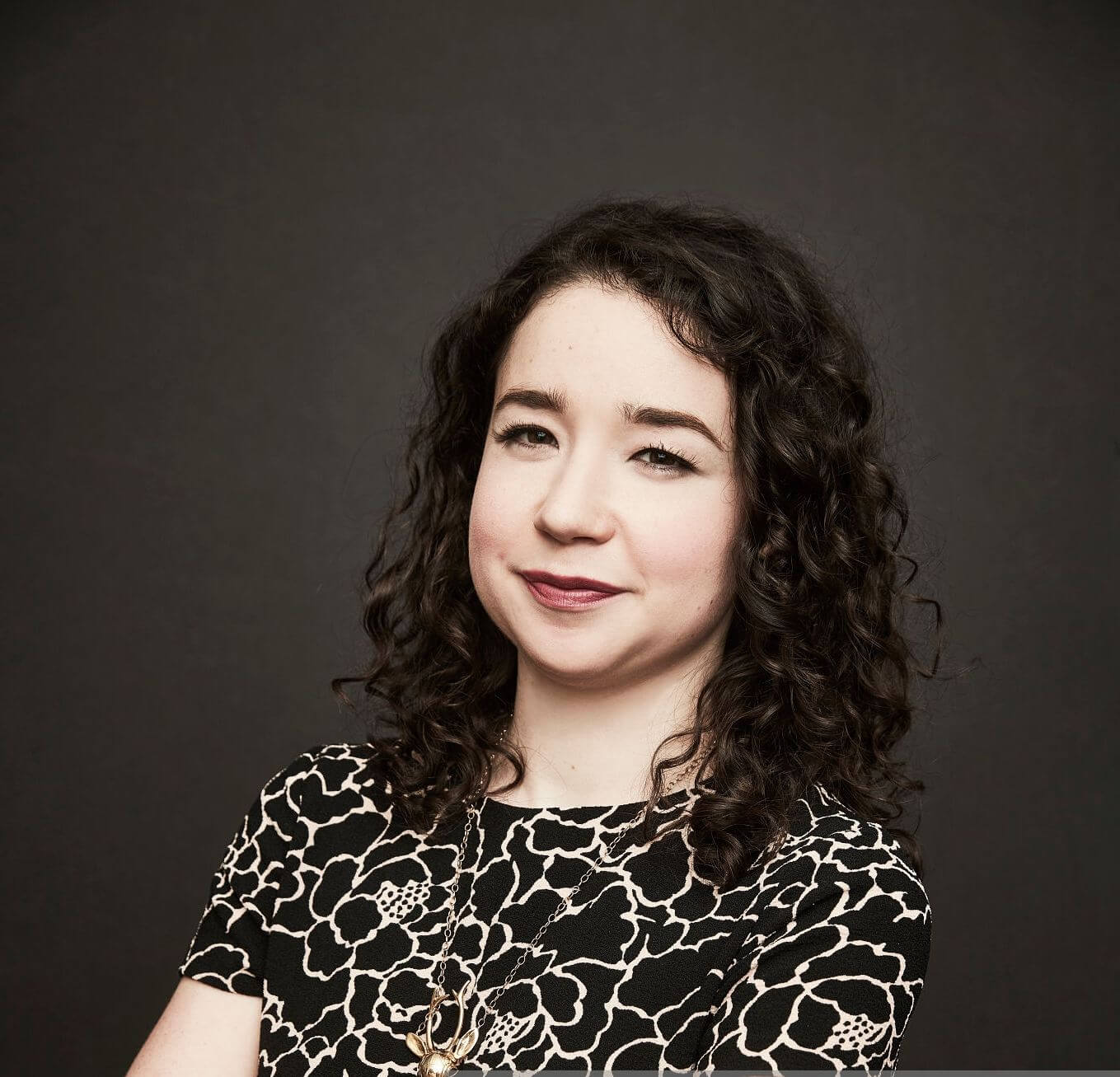 Sarah Steele sexy pictures