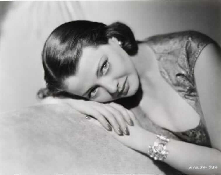 Sylvia Sidney hot look pics (3)