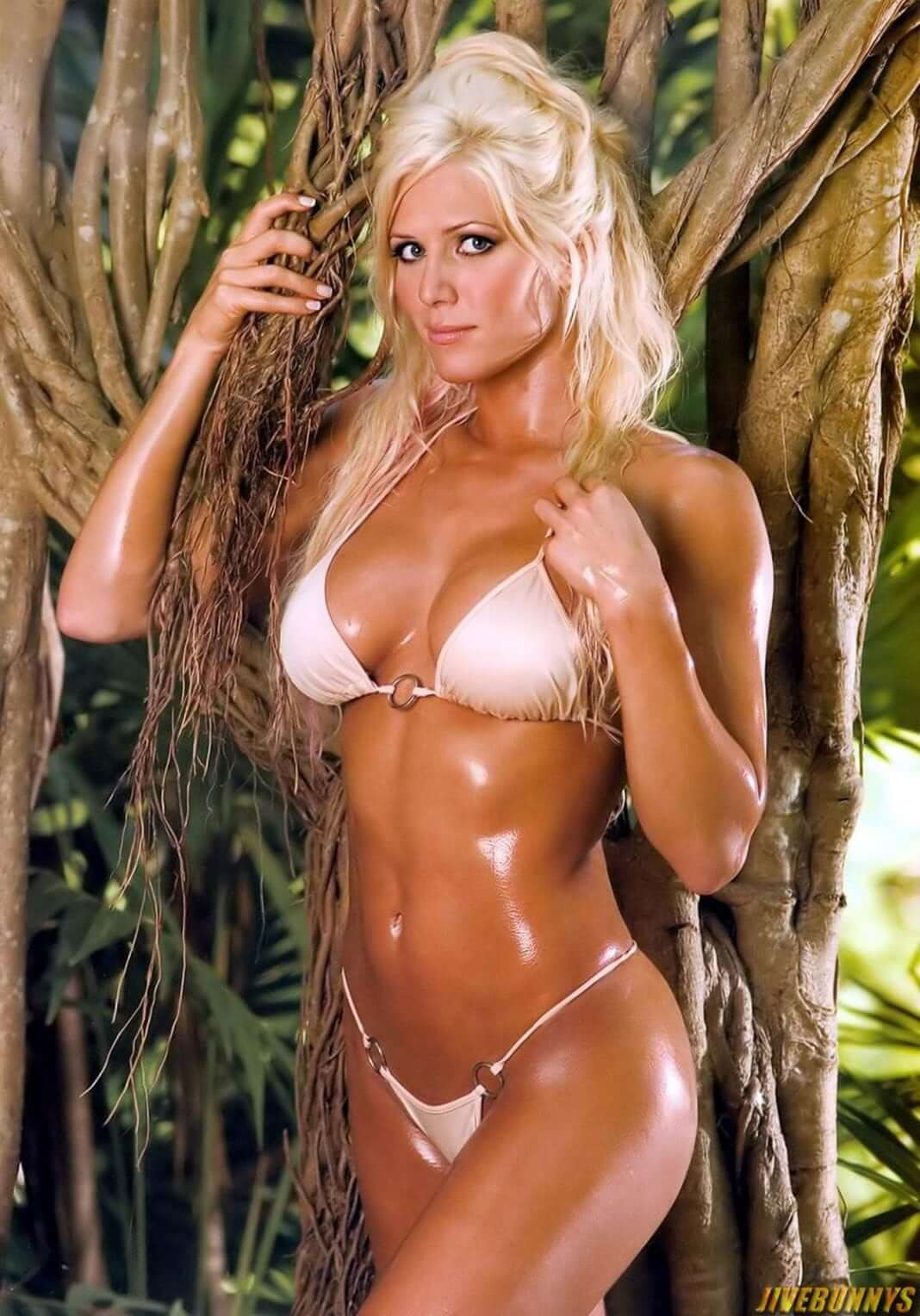 Torrie Wilson awesome pic (2)
