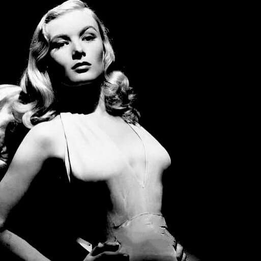 Veronica Lake sexy look pic