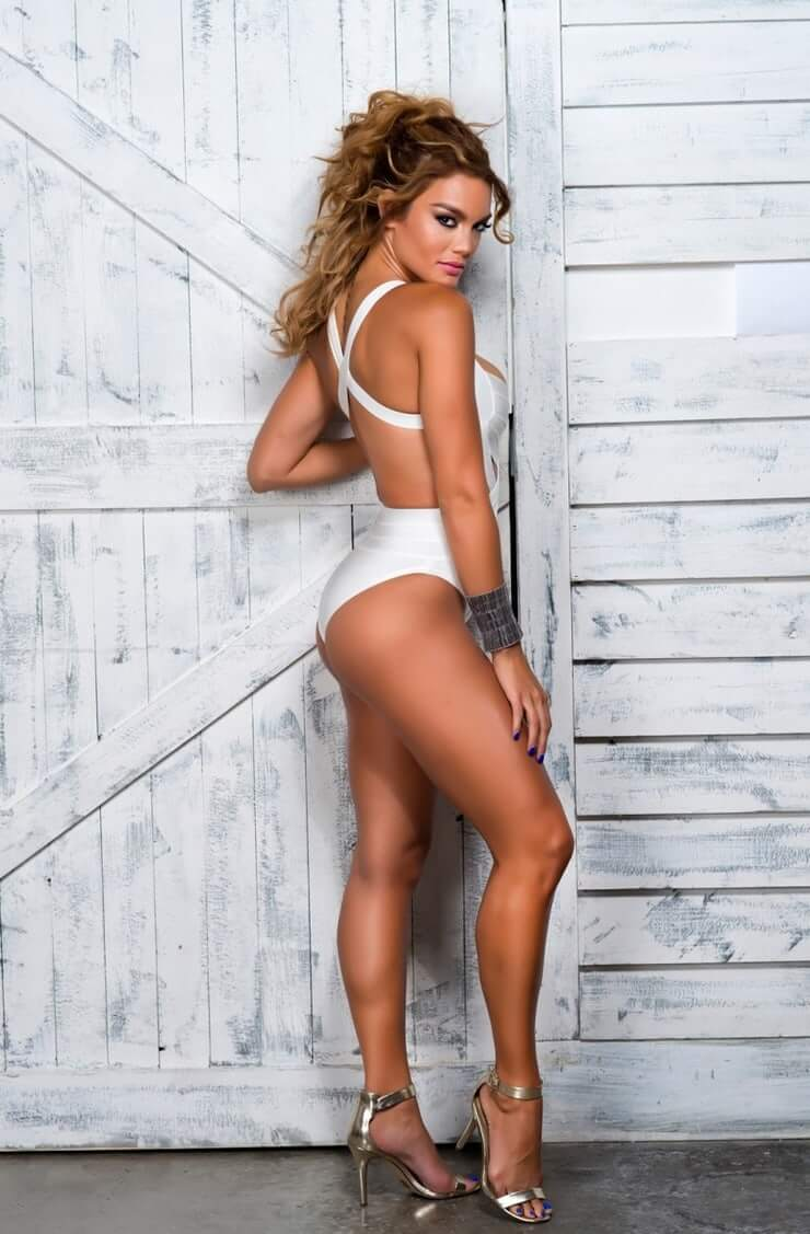 Zuleyka Rivera awesome (1)
