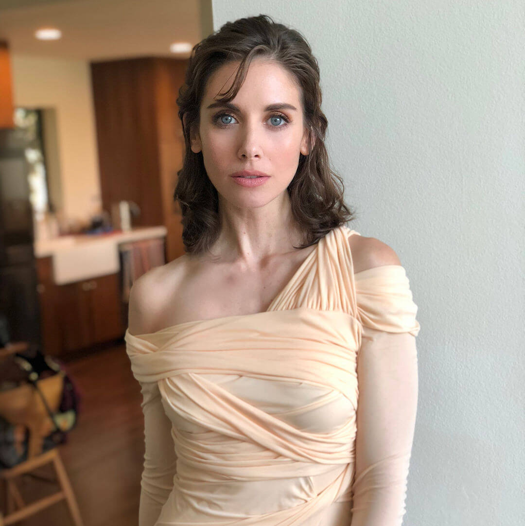 Alison Brie Glow Boobs 61 sexy alison brie boobs pictures which are sure to win