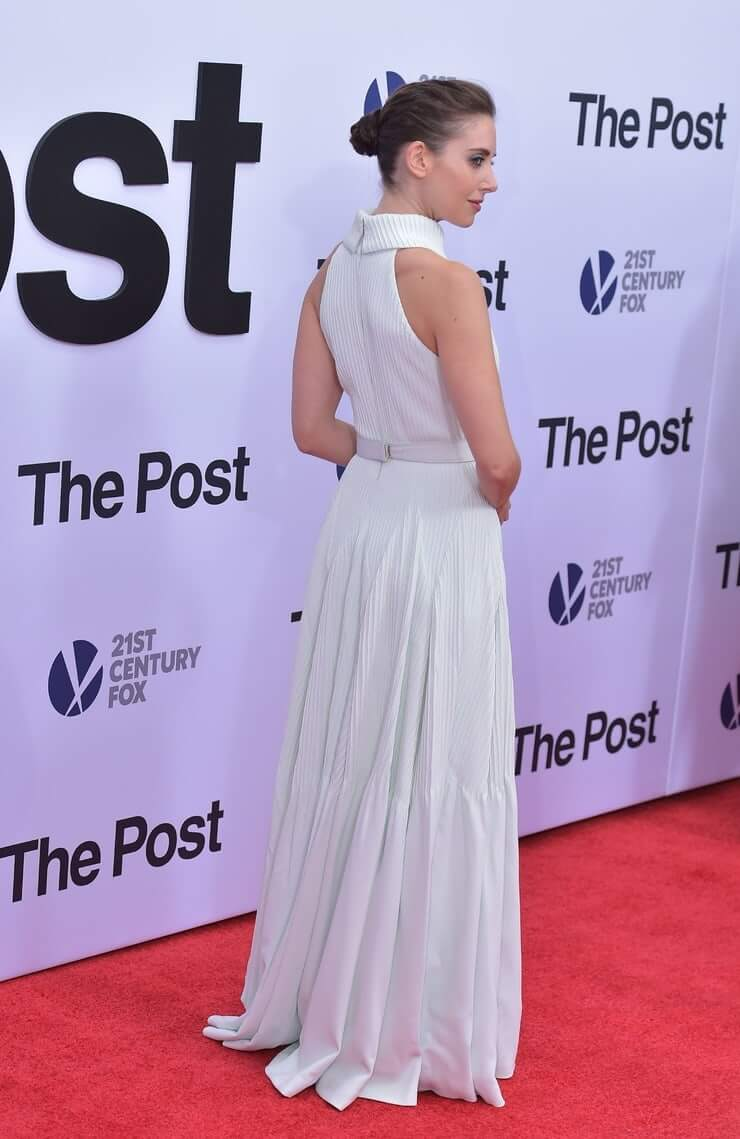 alison brie booty (2)