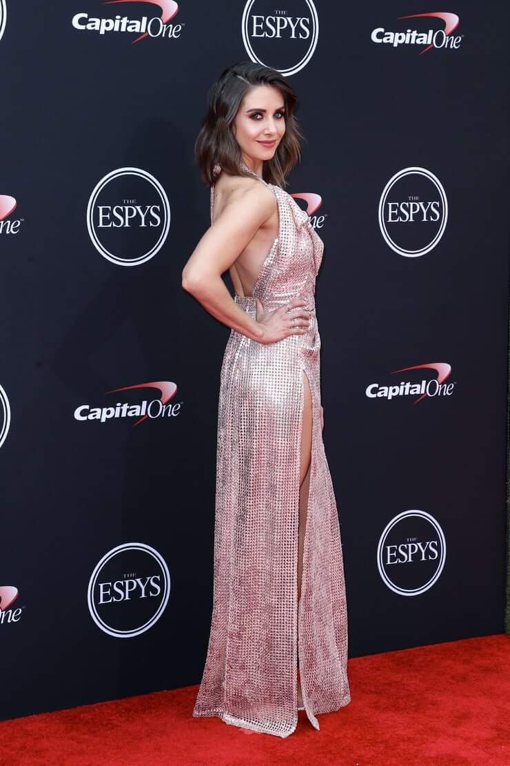 alison brie butt pictures (2)