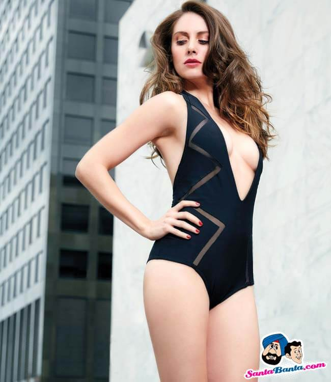 alison-brie-sexy-thighs