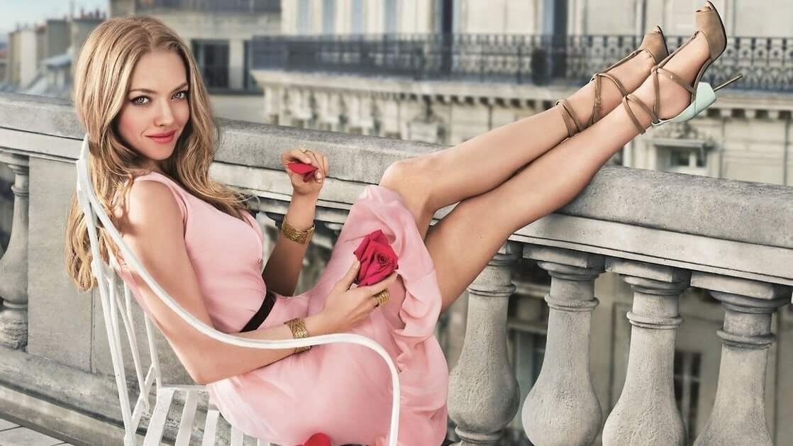 amanda seyfried hot legs pictures (2)