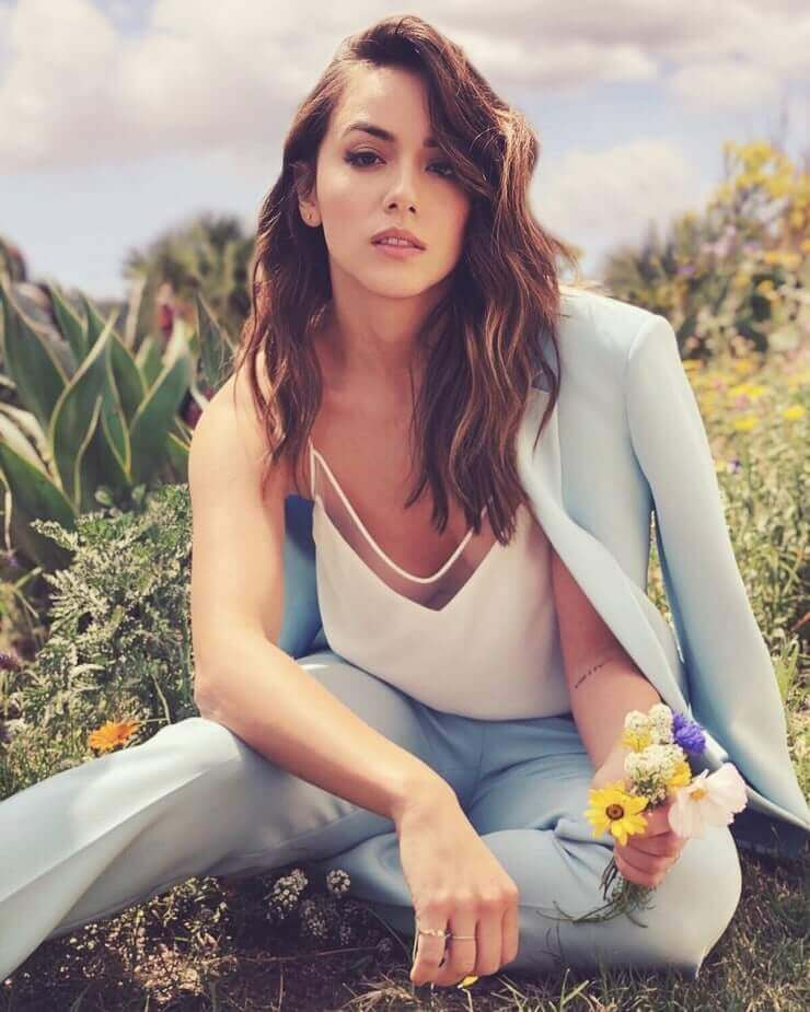 chloe bennet awesome