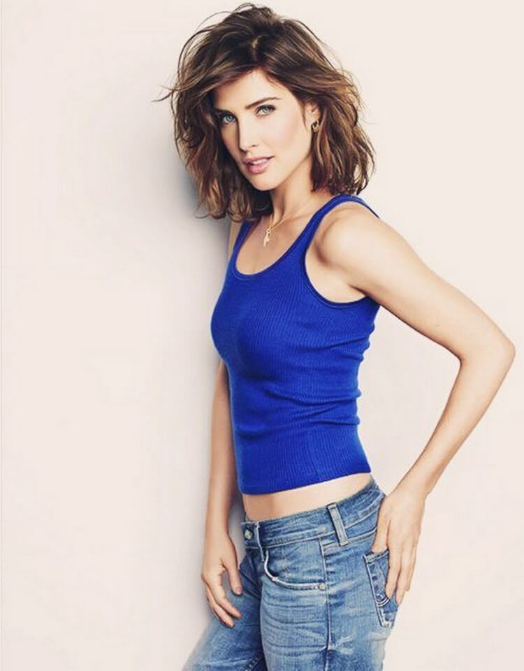 cobie smulders sexy side pics