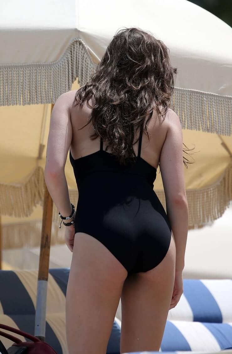 hailee steinfeld hot busty picture