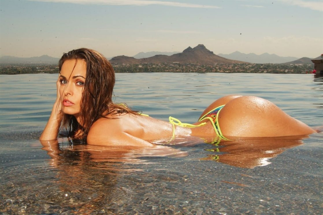 karen mcdougal awesome pics (10)