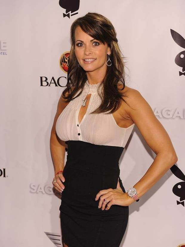 karen mcdougal sexy boobs pics (2)