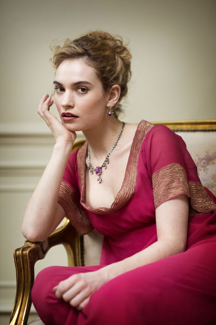 49 Hottest Lily James Big Butt Pictures Are Delight For Fans | Best Of Comic Books