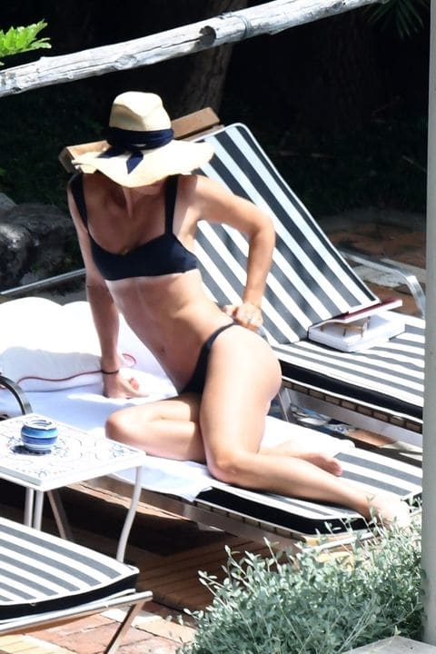 maria sharapova hot bikini photo