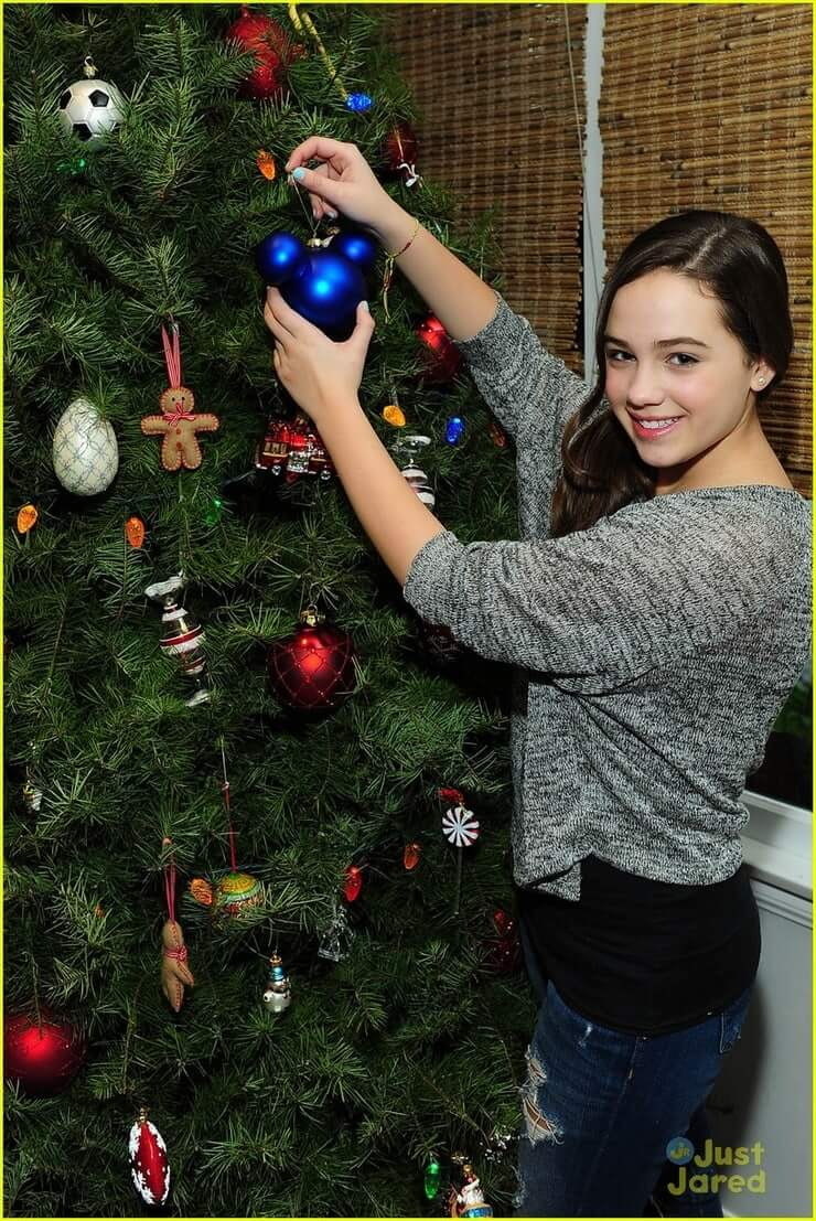 mary mouser butt pic