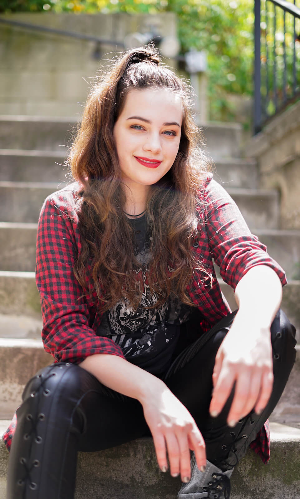 mary mouser hot photo