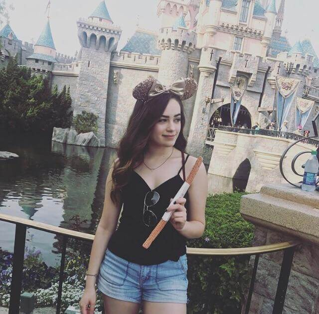 mary mouser sexy pictures