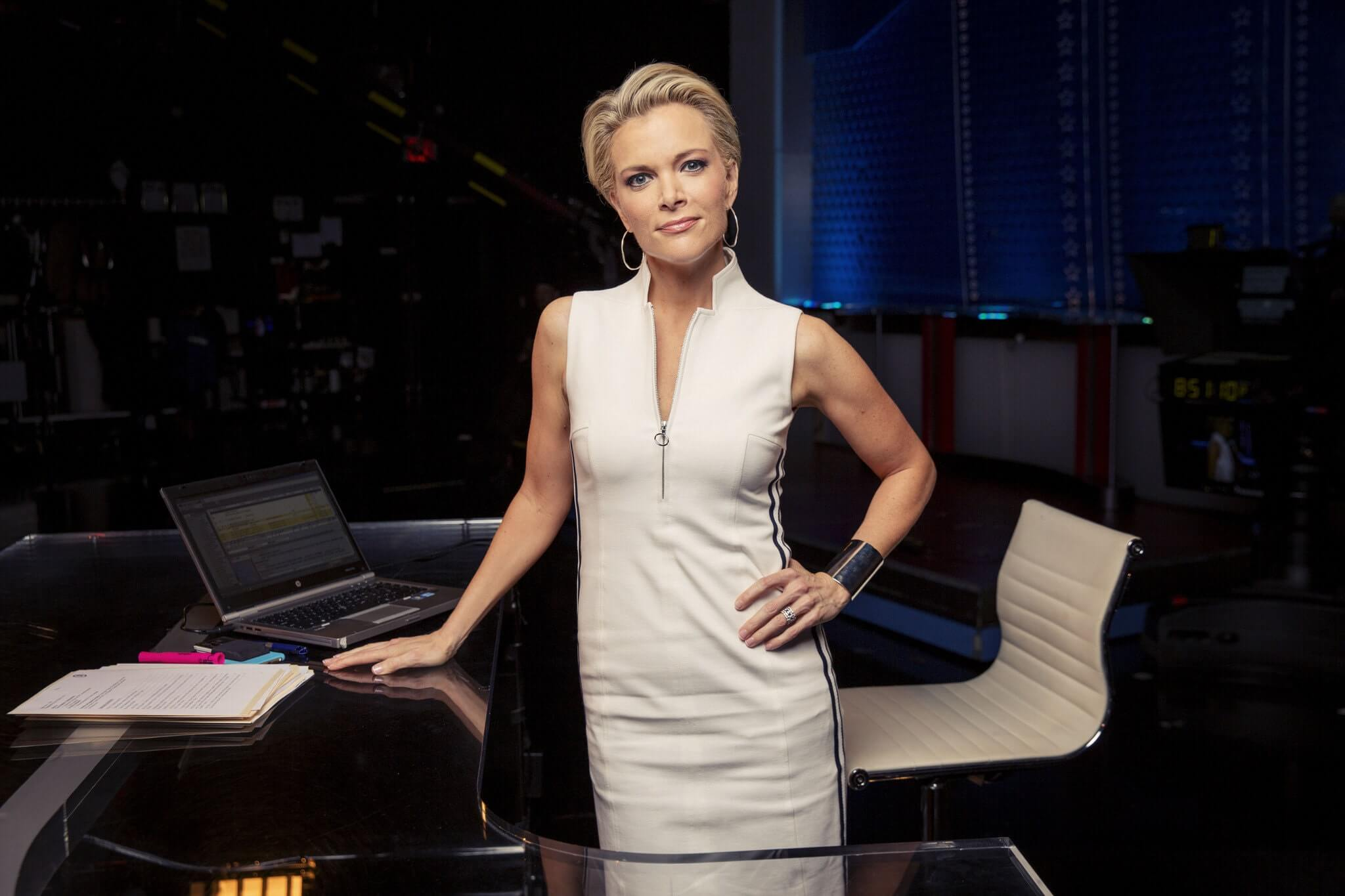 megyn kelly hot cleavage picture