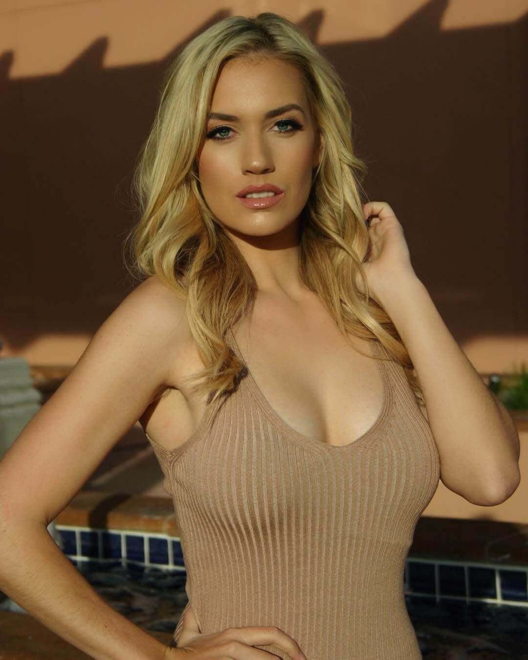 paige spiranac sexy busty picture