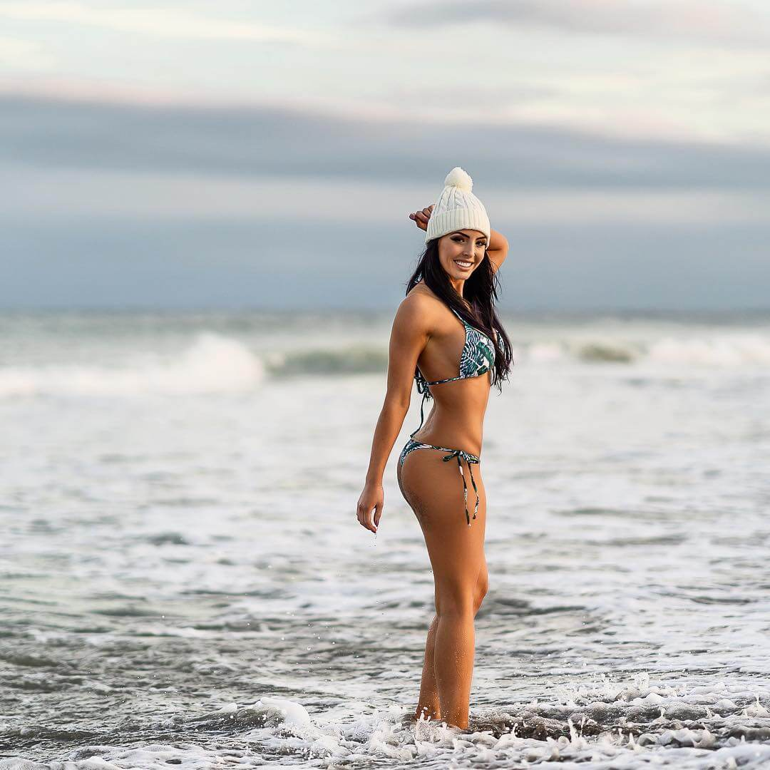 peyton royce hot side pictures