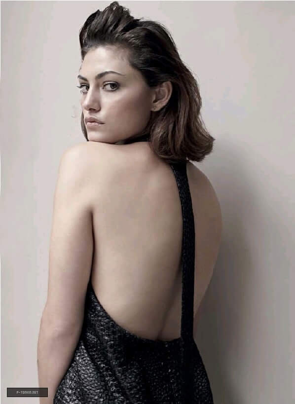 phoebe tonkin hot ass picture (3)