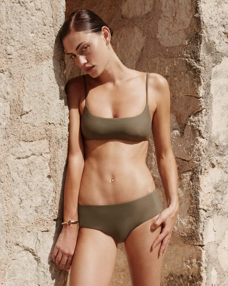 phoebe tonkin lingerie pictures (3)