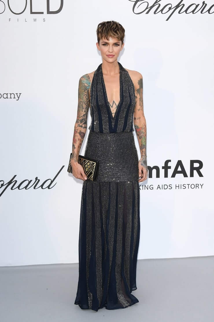 ruby rose boobs hot cleavage (1)
