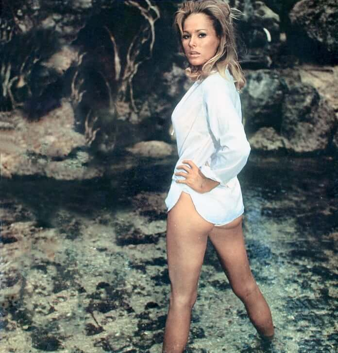 ursula-andress ass