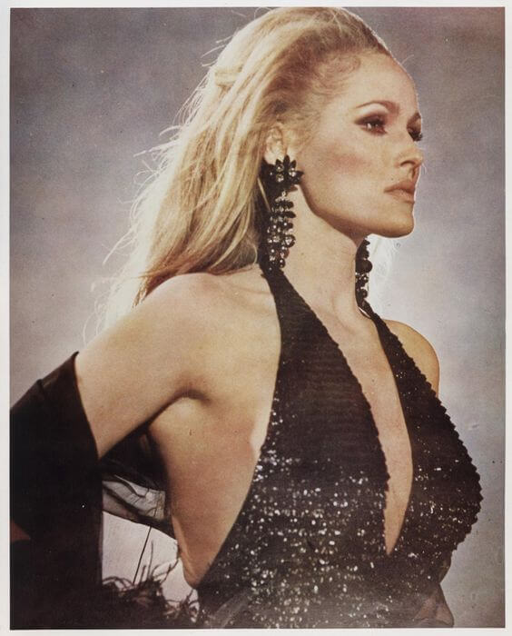 ursula-andress hot dress