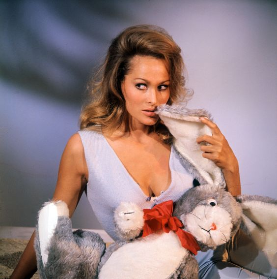 ursula-andress sexy photos