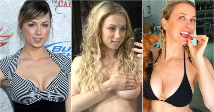 49 Sexy Iliza Shlesinger Boobs Pictures That Are Incredibly Sexy