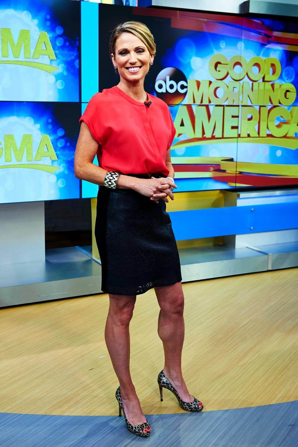 Amy Robach sexy bare feet (1)