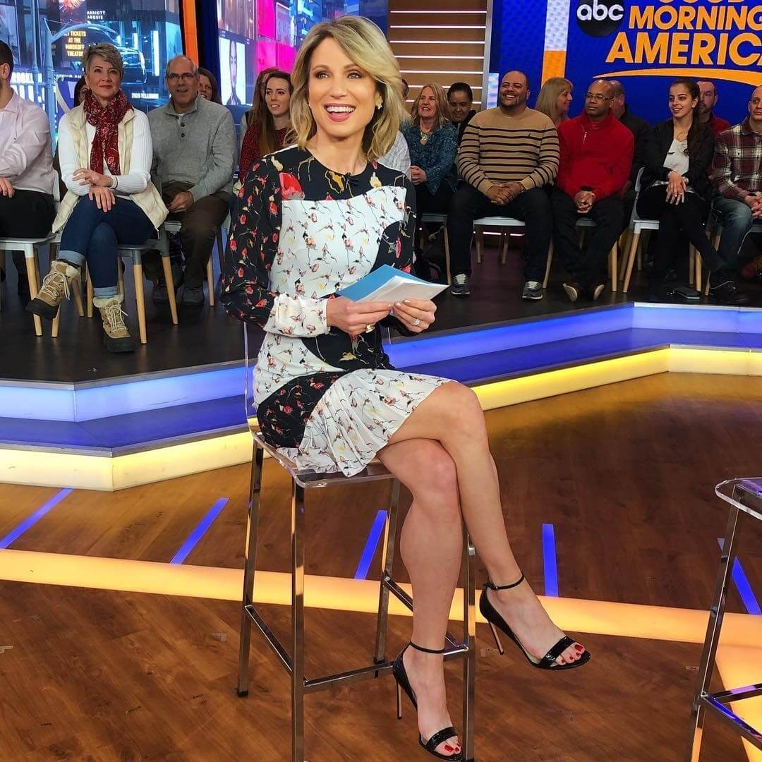 Amy Robach sexy toe feet (1)