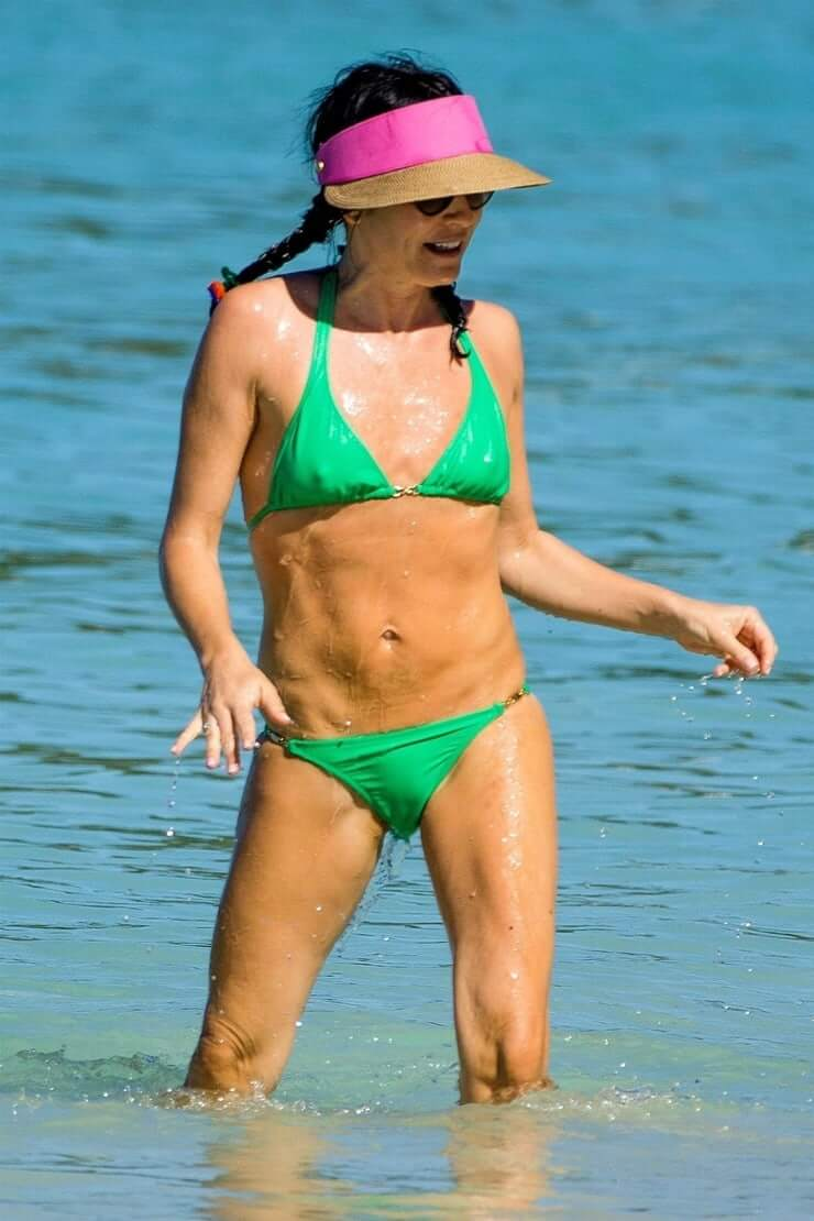 Andrea Thompson Hot 49 hot pictures of andrea corr will inspire you to hit the