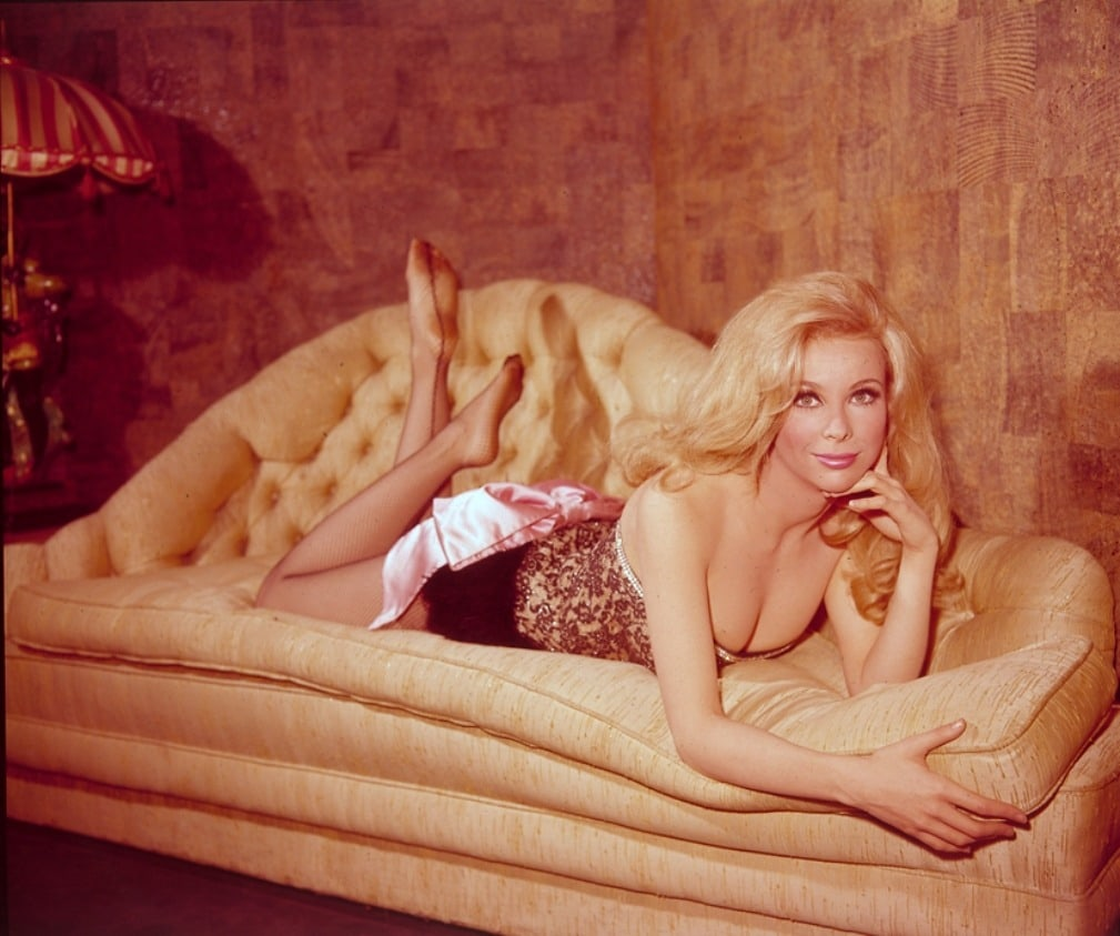 Angelique Pettyjohn Topless 25 hot pictures of angelique pettyjohn which will make your