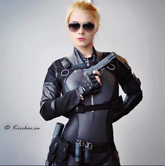 Cassie Cage busty pic (1)